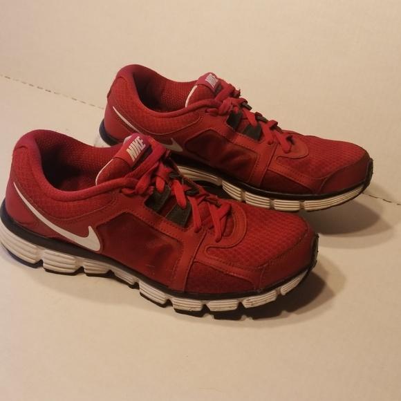 4a76abe92e7 Nike Dual Fusion ST 2 men s shoes size 9.5. M 5bae8aedaa5719d147fc1677